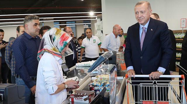 Cumhurbaşkanı Erdoğan, Tarım Kredi Kooperatifi satış mağazasından alışveriş yaptı
